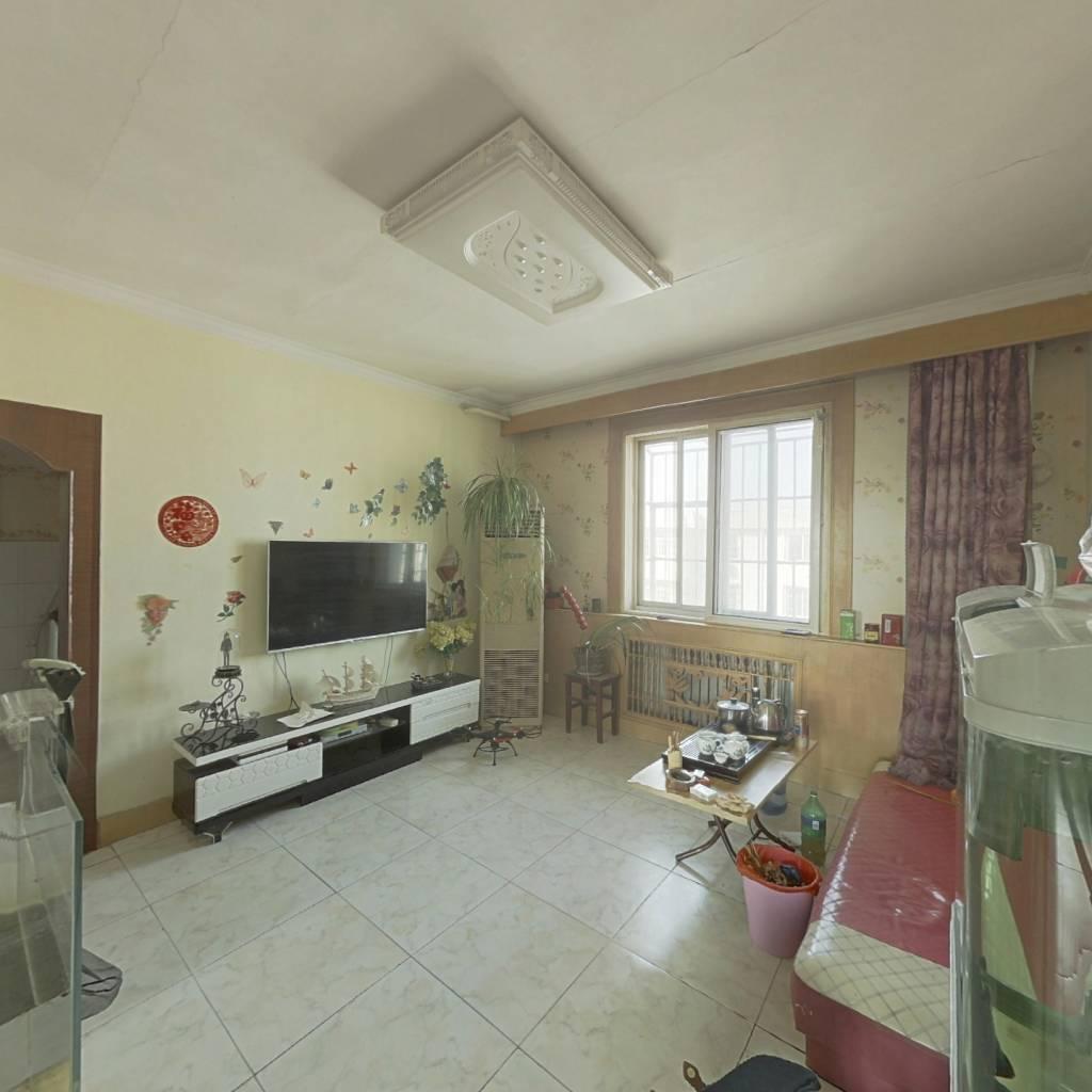 采油大面积三室  中装干净 拎包入住 单价低。