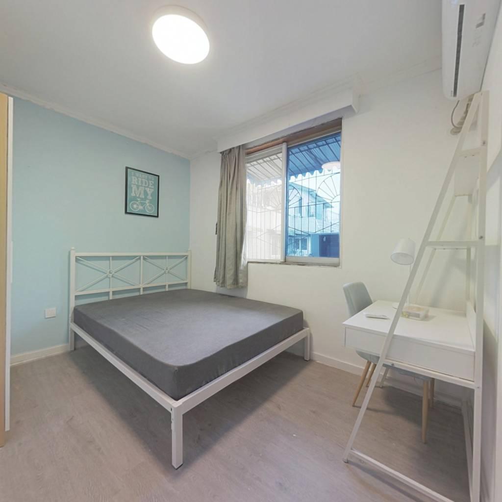 合租·澳深花园 3室1厅 东卧室图