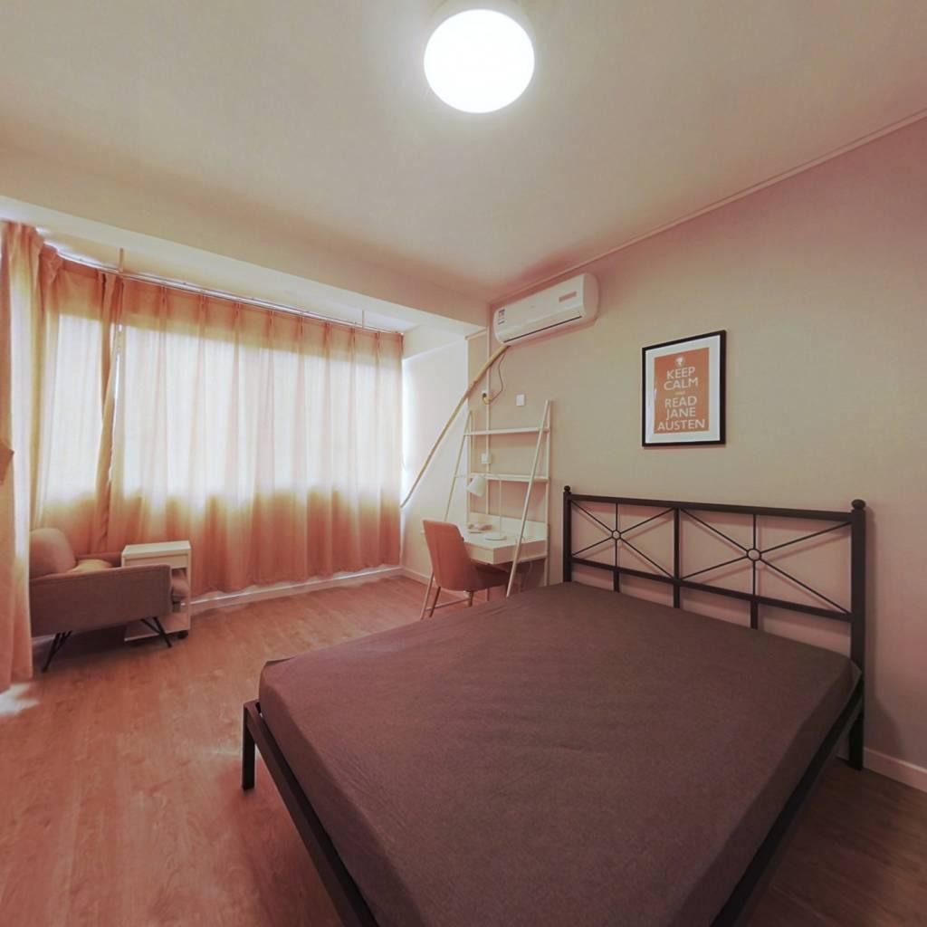 合租·御道街28号小区 3室1厅 南卧室图