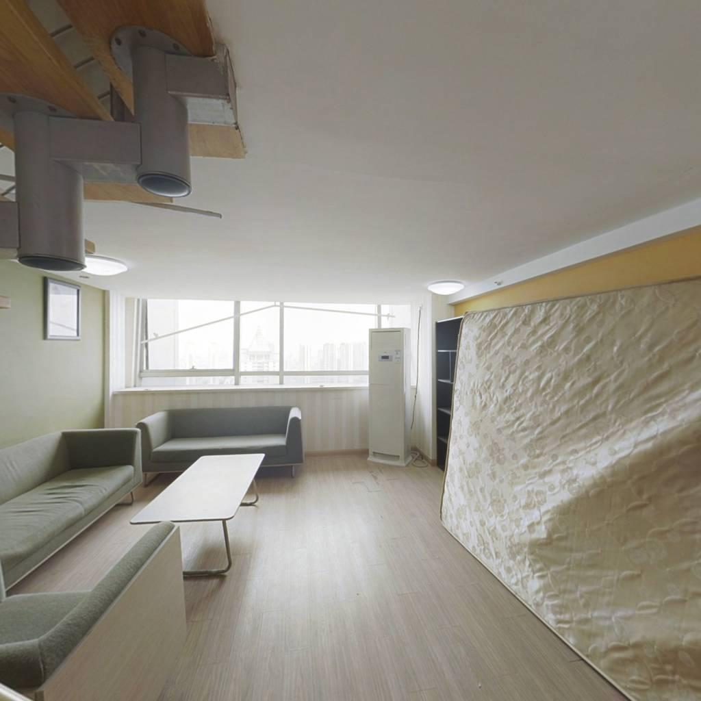 开发商统装公寓 户型方正 实用面积大