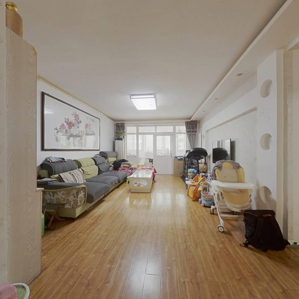 济微路鹭鸣苑小区,两室两厅楼层低,南北通透出行方便