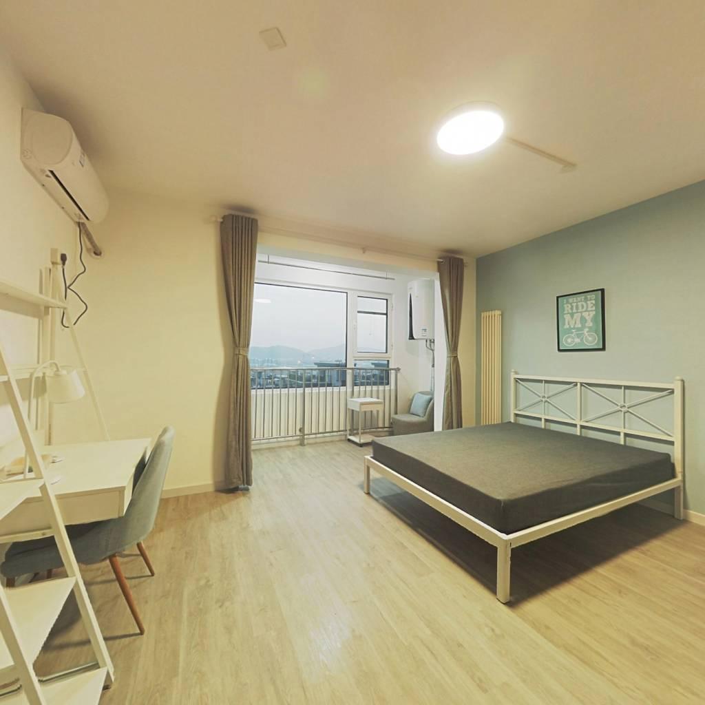 合租·六里屯一区 4室1厅 北卧室图