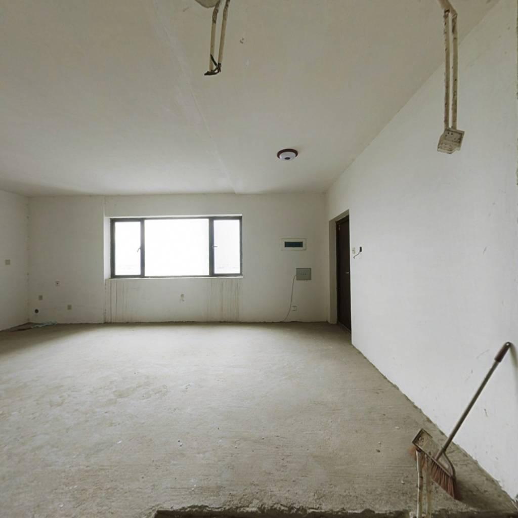 沿江一排视野好,证满两年,房东急售
