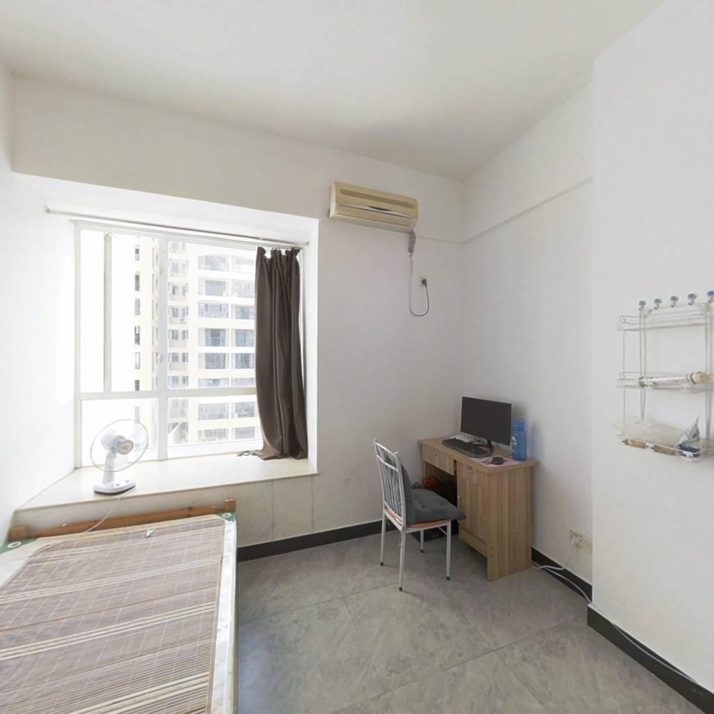 星宝商圈精装小公寓27方中楼层保养好