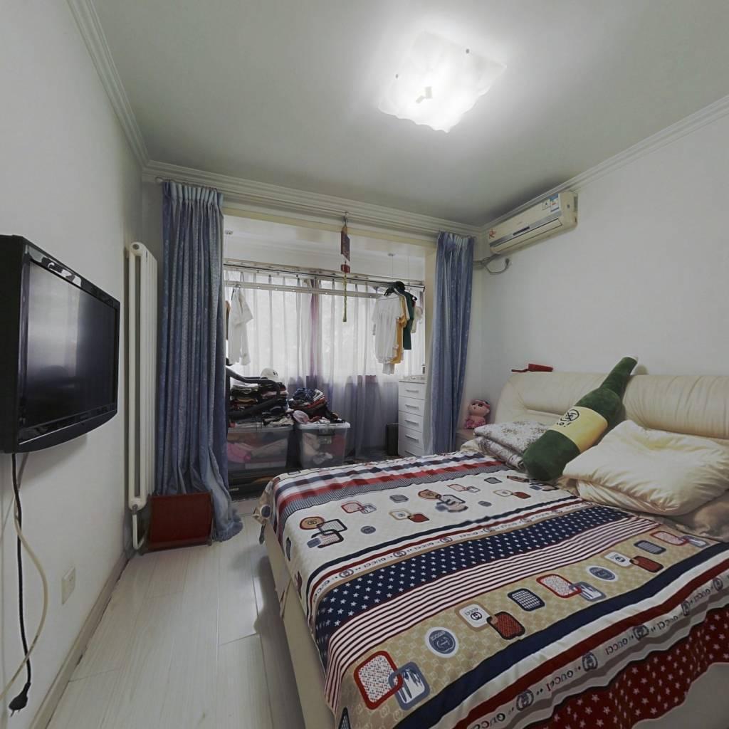 海淀门头馨村两居室,房本满两年,位于一层,出行方便